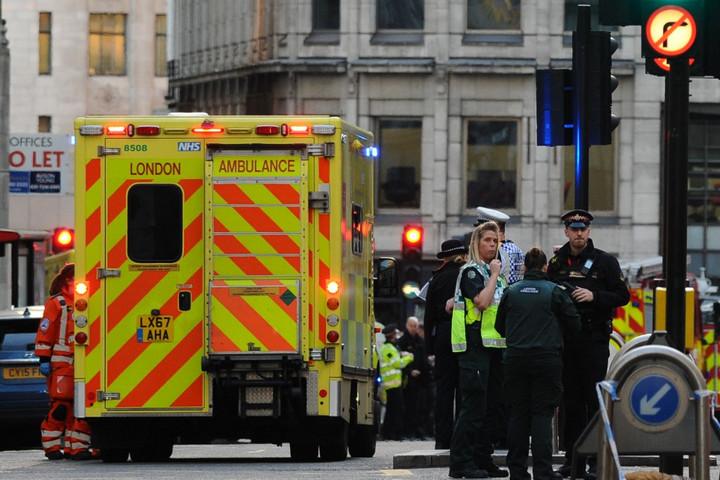 Késes terrortámadás volt Londonban