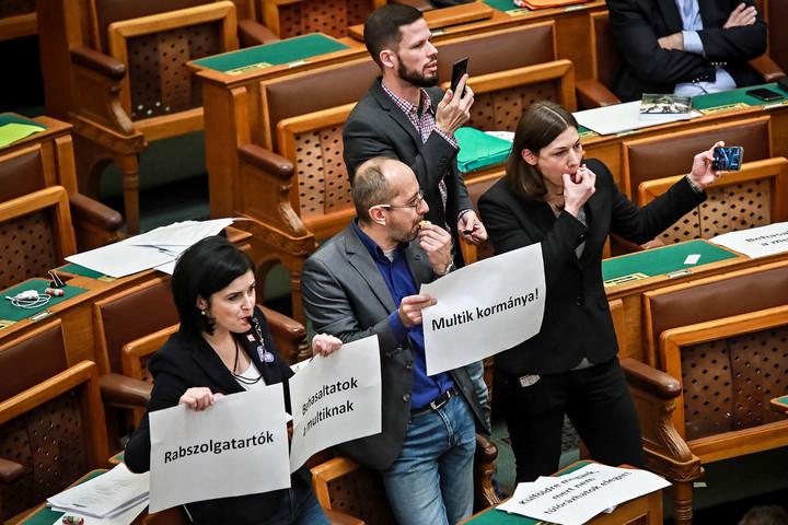 Fidesz: A baloldal semmivel sem segítette a járvány elleni védekezést