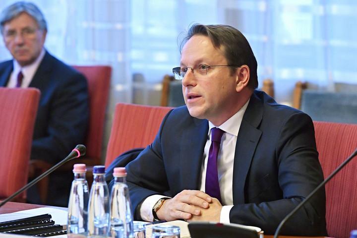 Várhelyi:  Albániával és Észak-Macedóniával is meg kell nyitni a csatlakozási tárgyalásokat