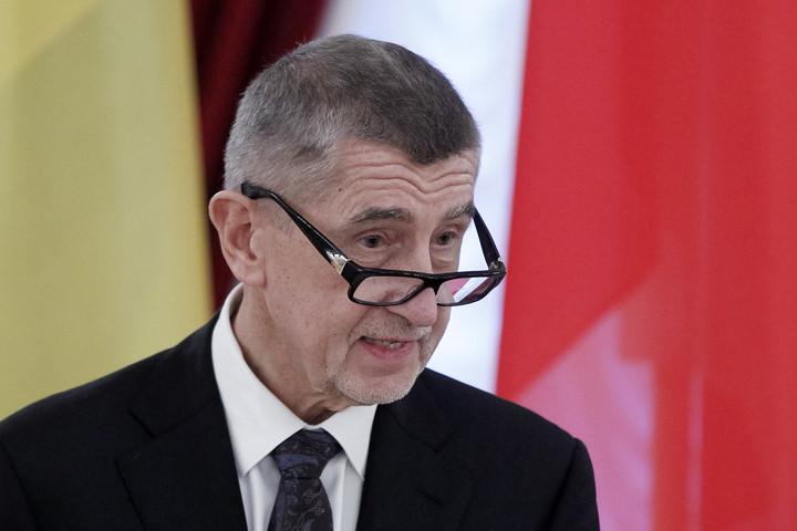 Babis: Csehország nem hátrál meg a migránskérdésben