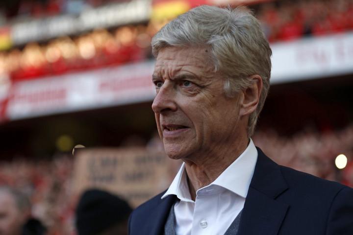 Arséne Wenger visszatér a futball világába