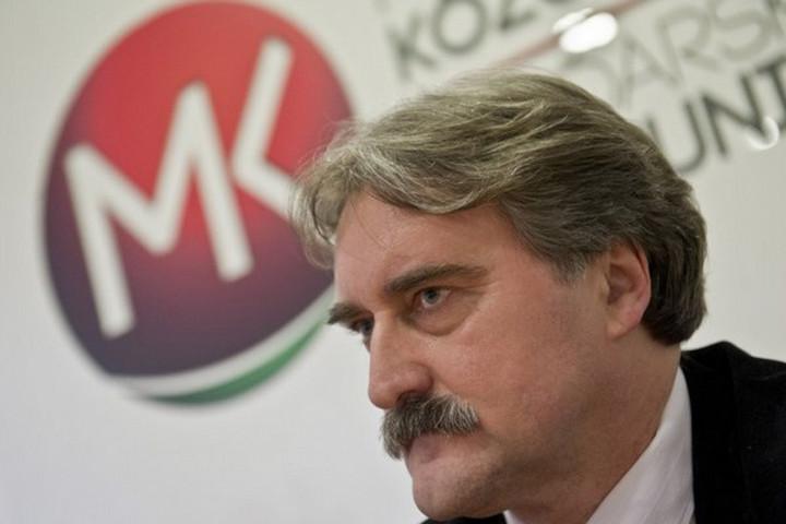Bárdos Gyula vezeti a felvidéki Magyar Közösségi Összefogás listáját