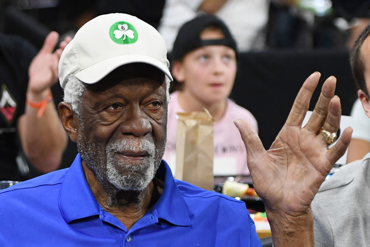 Bill Russell 44 év után vette át a Hall Of Fame-tagságért járó gyűrűt