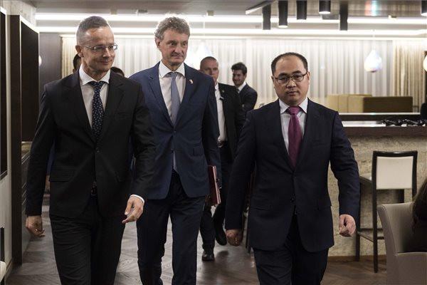 Budapest és Csungking között indít járatot a Hainan Airlines