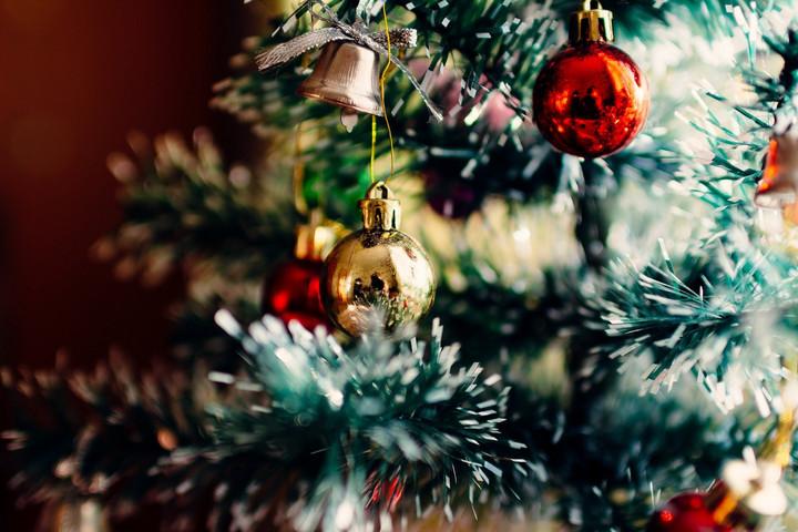 Óriási karácsonyfával nyílik meg a vásár