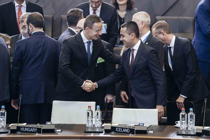 Szijjártó: Magyarország egyharmadával növeli katonáinak számát a NATO misszióiban