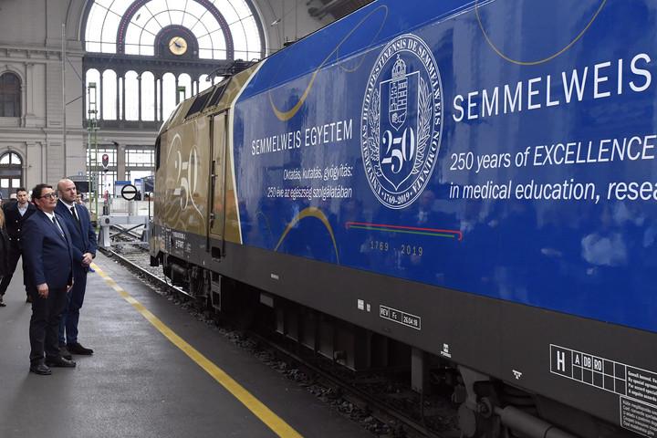 Együttműködési megállapodás kötött a MÁV és Semmelweis Egyetem