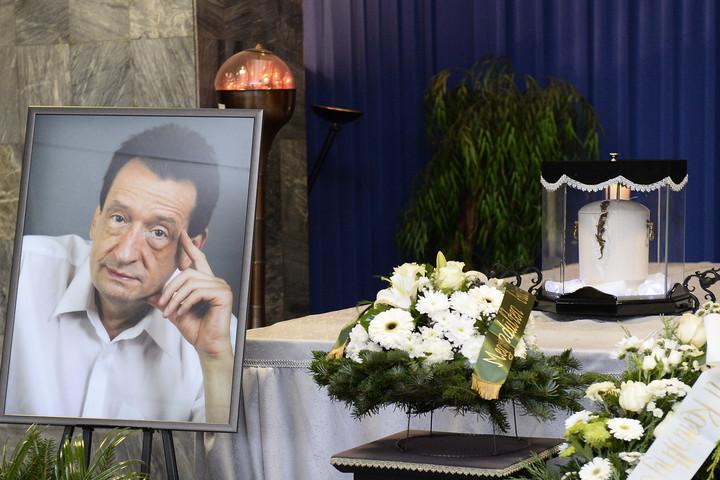 Eltemették Karinthy Mártont