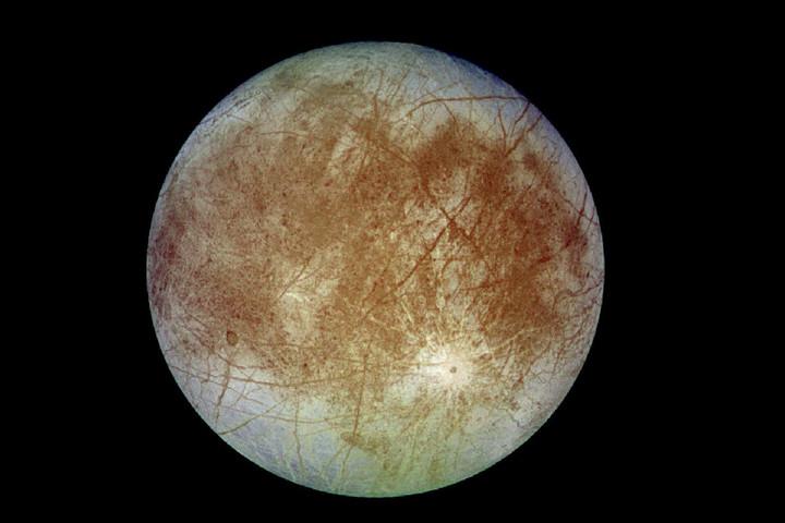 Vízpárát találtak a Jupiter egyik holdján