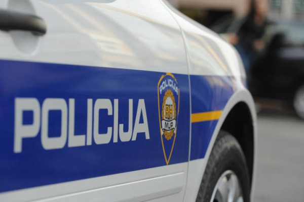 Meglőttek egy illegális bevándorlót a horvát rendőrök