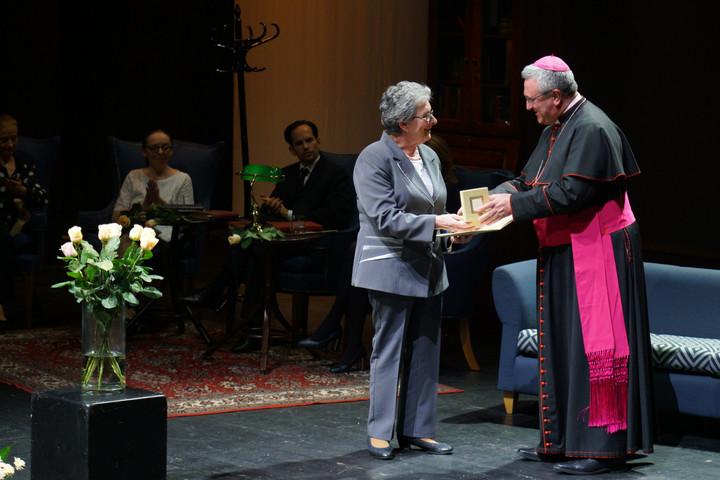 Átadták a Szent Erzsébet rózsája-díjat