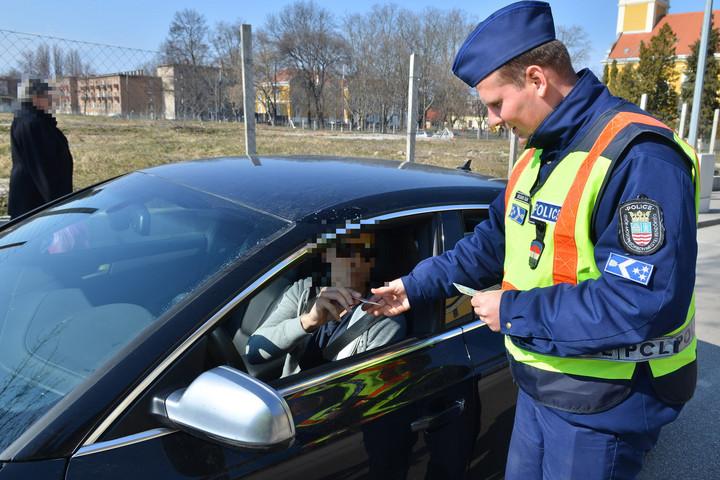 Közúti ellenőrzések a téli közlekedés biztonságossá tételéért