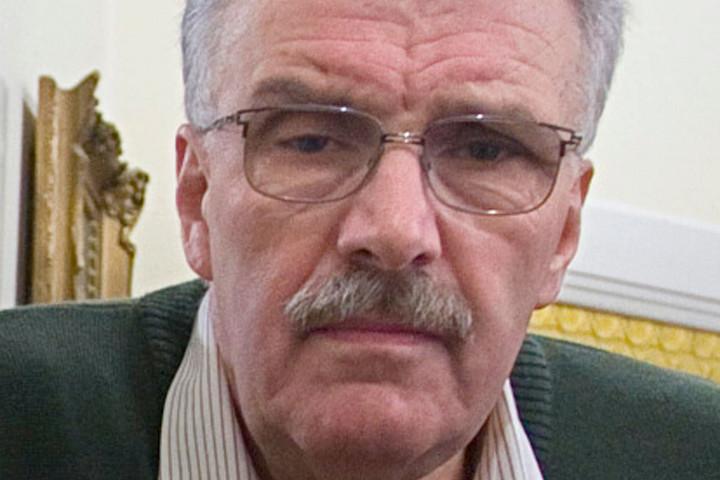 Elhunyt Szívós István