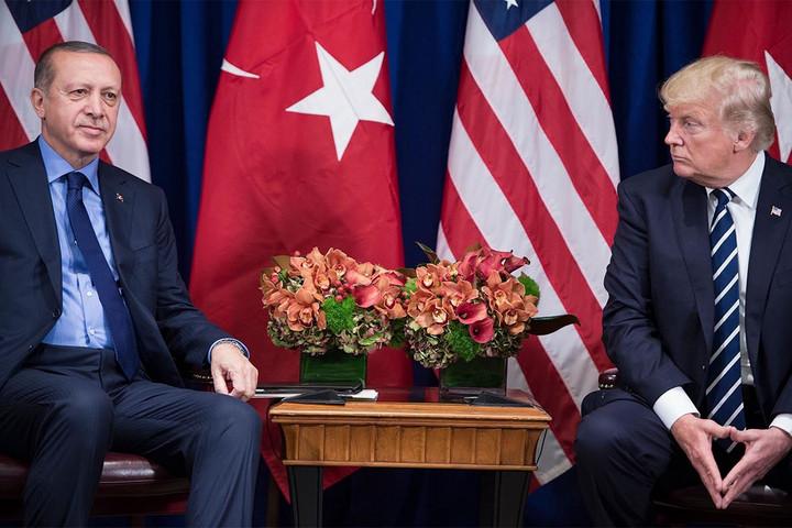 Trump egy hét múlva fogadja Erdogant Washingtonban