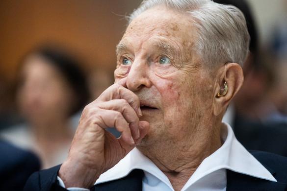 Merkelen keresztül akarta megbuktatni a magyar biztosjelöltet Soros György
