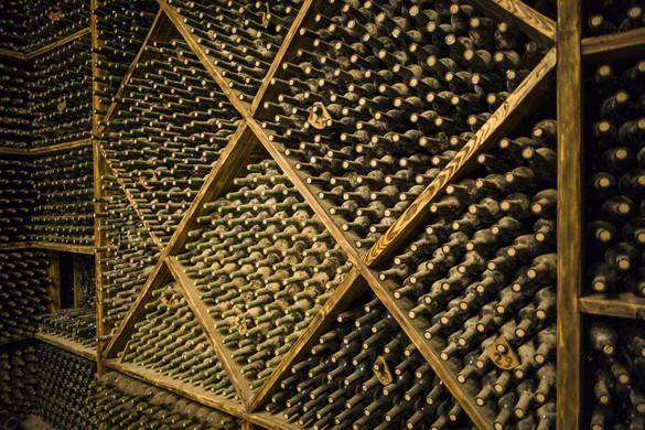 Száz évesnél idősebb borokat találtak
