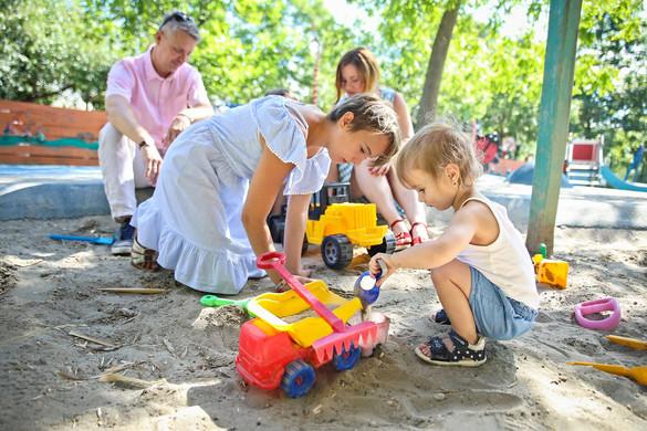 Újabb intézkedések a gyermekes családok védelme érdekében
