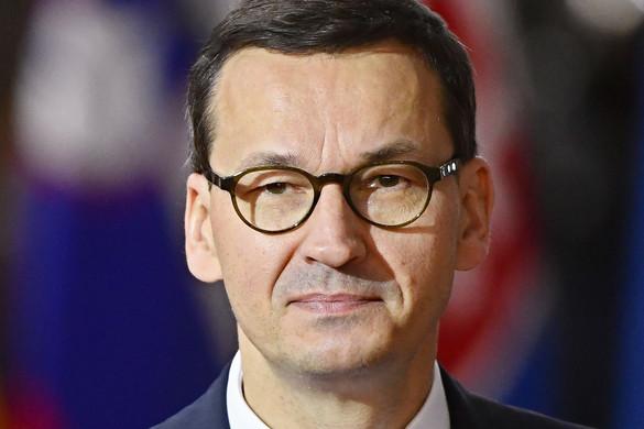 Morawiecki: Az EU-nak új pénzeszközöket kell bevetnie a járvány elleni harcban