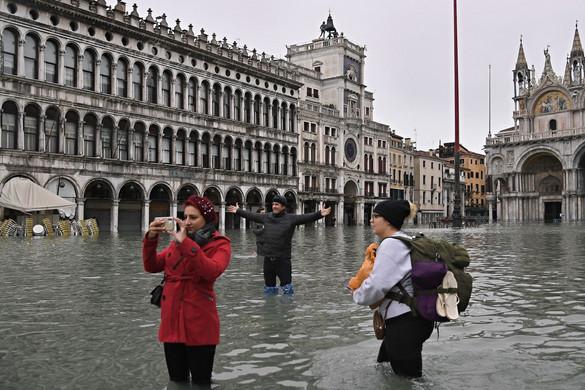 Árvíz sújtja Velencét