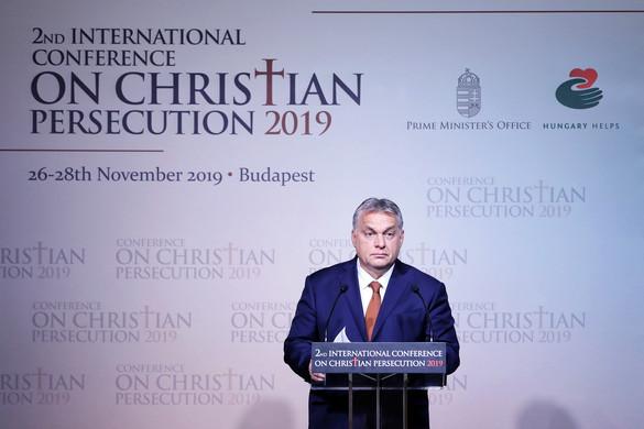 Orbán Viktor: Európát csak az mentheti meg, ha visszatalál keresztény identitásához