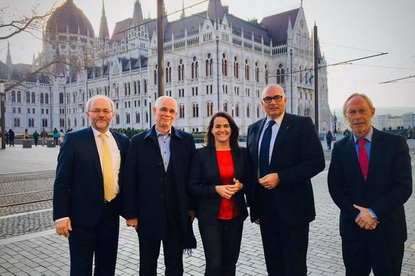 """""""A Fidesznek a Néppártban a helye"""""""