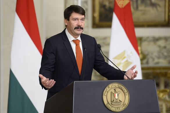 Áder: Európa kiemelt érdeke, hogy Egyiptomban biztonság legyen