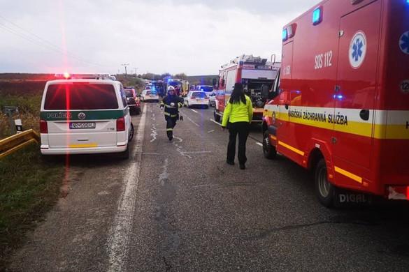 Sok halálos áldozatot követelő buszbaleset történt Szlovákiában