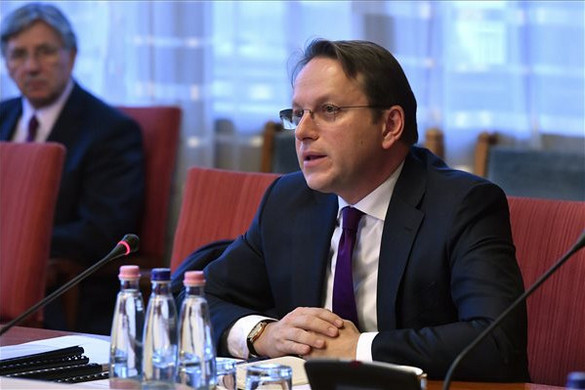 Várhelyi: Fel kell gyorsítani a nyugat-balkáni országok uniós csatlakozási folyamatait