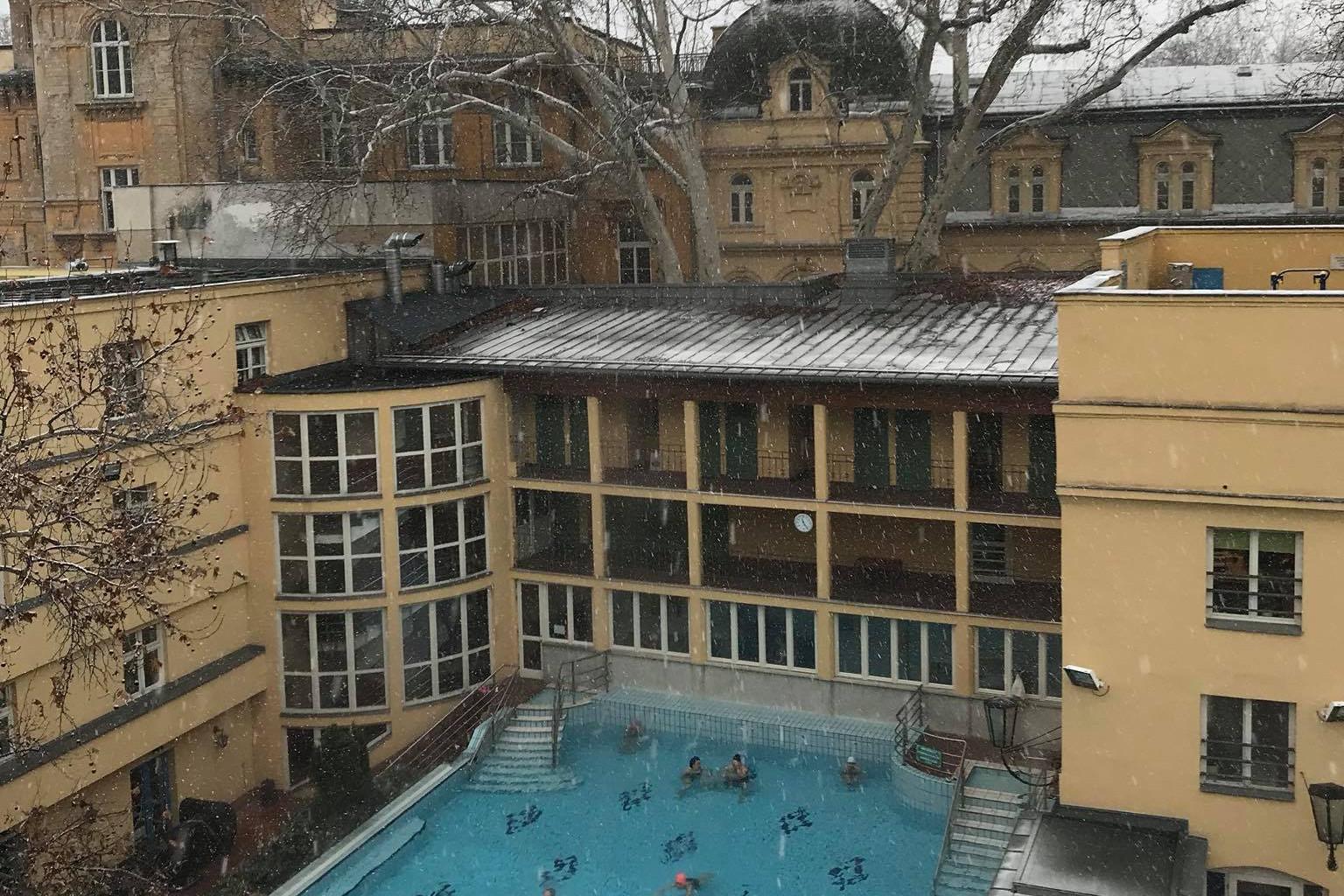 Sokak kedvence a budapesti Lukács fürdő