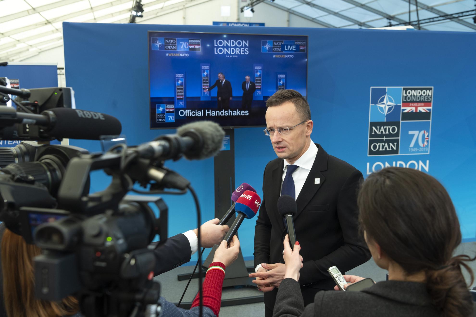 A brit fővárosban előző nap kezdődött a NATO jubileumi csúcstalálkozója a védelmi szervezet megalakulásának 70. évfordulója alkalmából