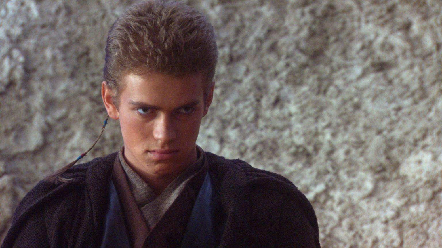 Az idősebb Anakin Skywalkert játszó Hayden Christensen alakítását sokan kritizálták