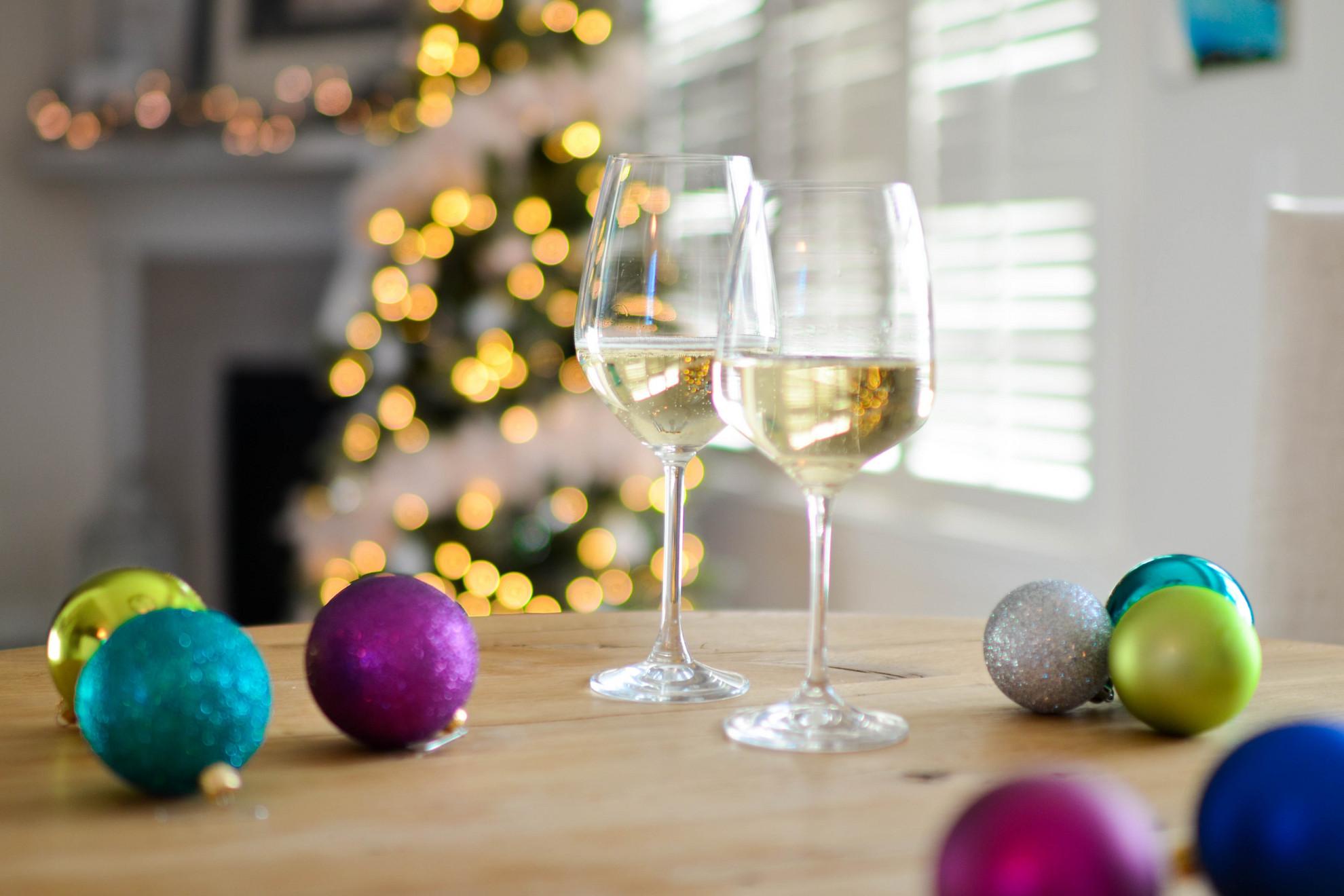 Karácsonykor is fogadhatjuk a vendégeket egy pohár pezsgővel