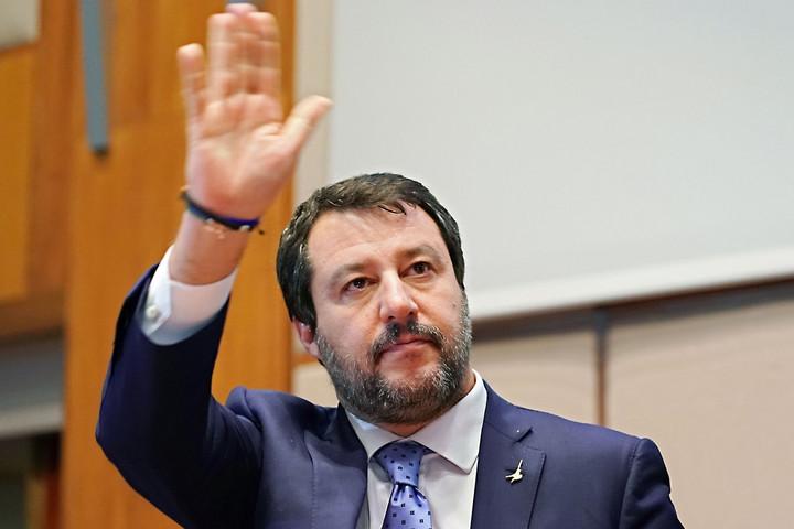 A Liga szenátorai megszavazták Salvini bíróság elé állítását