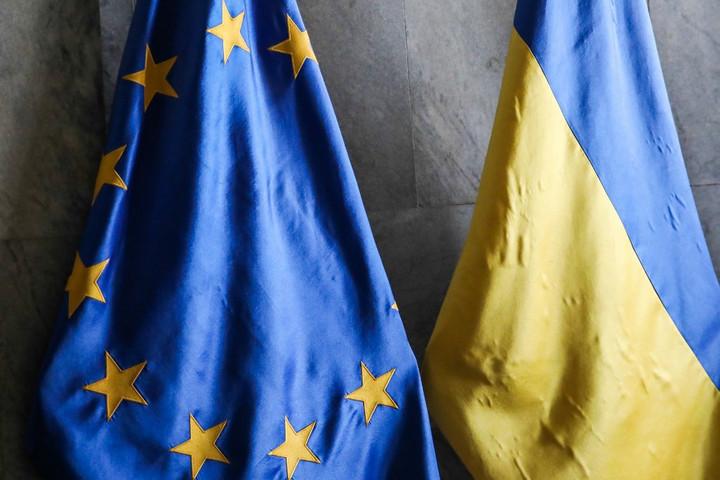 """""""Ukrajna helyezze hatályon kívül a kisebbségek nyelvhasználatáról szóló jogszabály bizonyos rendelkezéseit"""""""