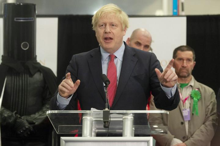 Földcsuszamlásszerű győzelmet aratott a Konzervatív Párt a brit választásokon