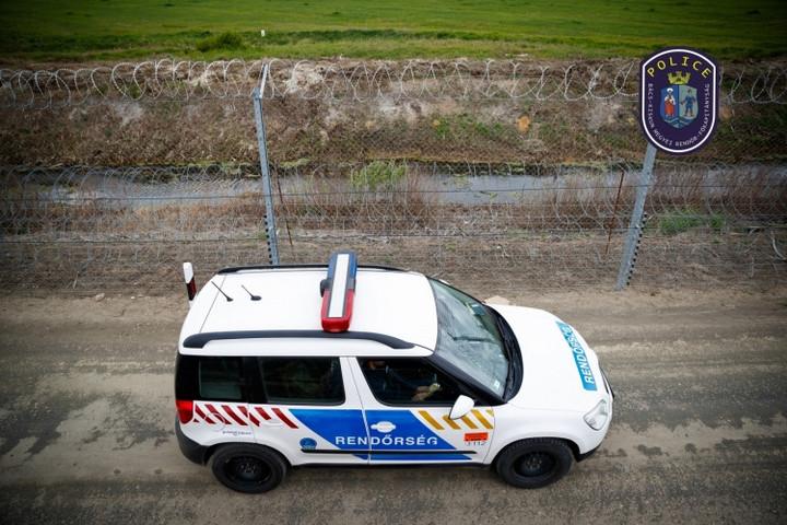 Fél nap alatt 140 határsértő migránst tartóztattak fel Bács-Kiskun megyében