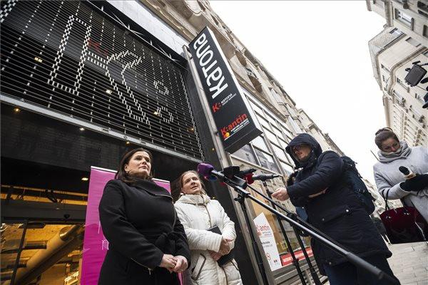 A nőszervezetek azt kérik, sehol ne legyen műsoron Gothár-rendezés