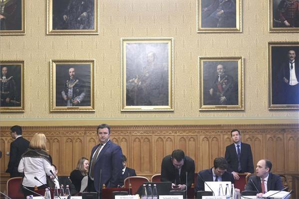 Palkovics: Nincs szó az MTA vagyonának elvételéről