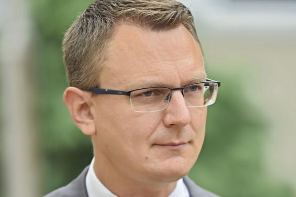 Rétvári: A kormány bízik a Kúria érdemi vizsgálatában