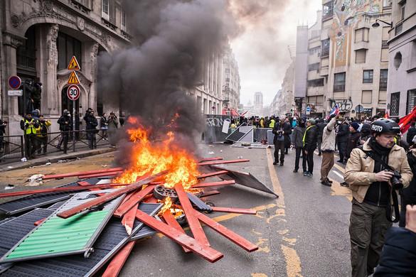 Sztrájk bénítja Franciaországot