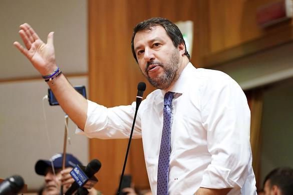 Megint a migránsok miatt vegzálja Salvinit a baloldali olasz kormány