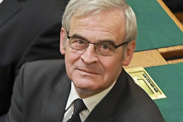 Az EMNT és az SZNT feljelentette uszításért Klaus Iohannist
