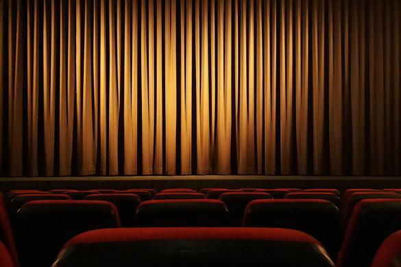 Teljesen alaptalanok a színház finanszírozás megváltoztatásával kapcsolatos ellenzéki aggodalmak