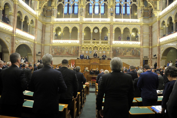 Ütős válaszokat adott a kormány az ellenzék kérdéseire