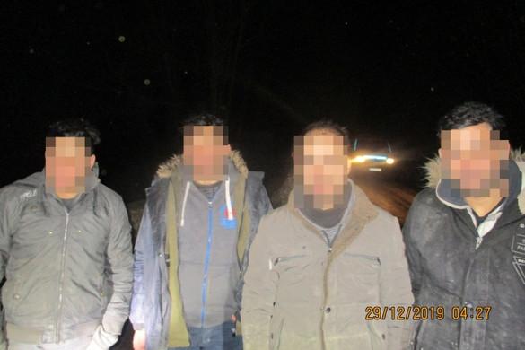 Több mint 400 migránst fogtak el a rendőrök a hétvégén