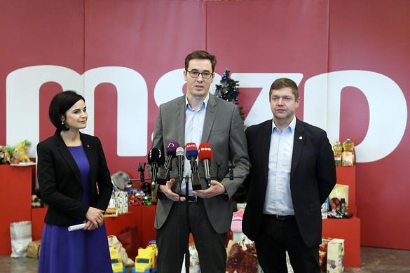 Parlamenten kívüli politizálást hirdetett az MSZP