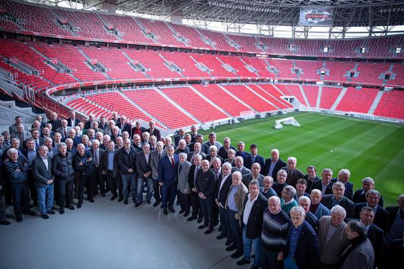 Legendás futballistákkal találkozott Orbán Viktor
