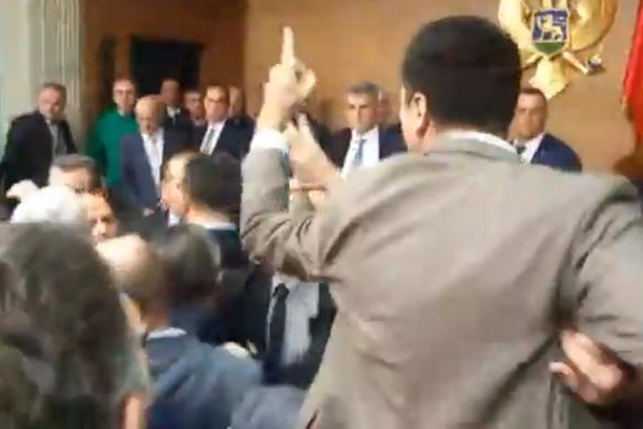 Egy egész frakciót állított elő a rendőrség Montenegróban