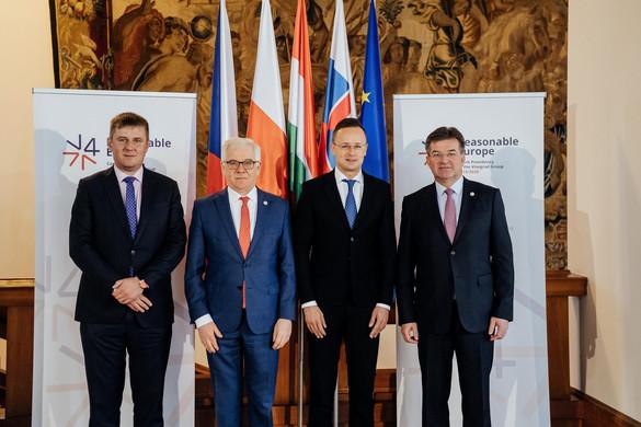 A balkáni bővítés felgyorsítását kérik Brüsszeltől a visegrádi négyek