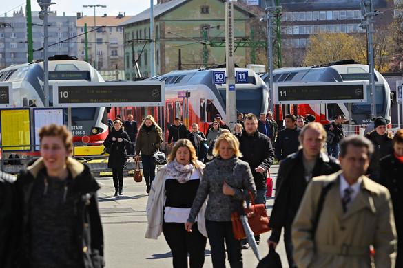 Gyorsul a vasúti közlekedés